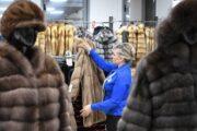 Коронавирус обрушил рынок меха вРоссии
