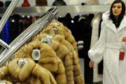 Холода заставили россиян скупать шубы имеховые изделия