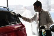 Продажи новых легковых автомобилей упали на4,2% вянваре