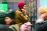 Названа средняя сумма мошеннического списания денег уроссиян
