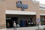 ВСШАсеть магазинов намерена платить сотрудникам завакцинацию отCOVID-19